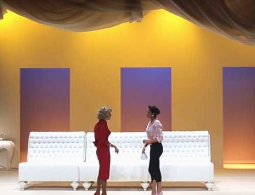 """Jetclass decora o cenário da peça """"A Mãe Biológica de Marilyn Monroe"""""""
